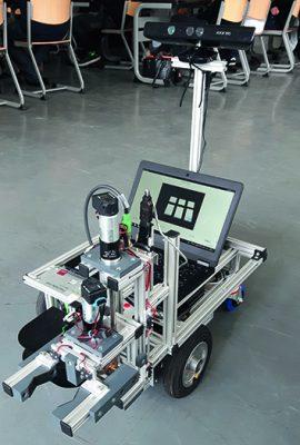 Volksbot_Roboter mit Greifarm © Heike Wiesner